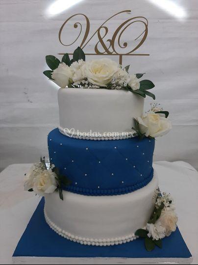 Decorado con cake topper V&O