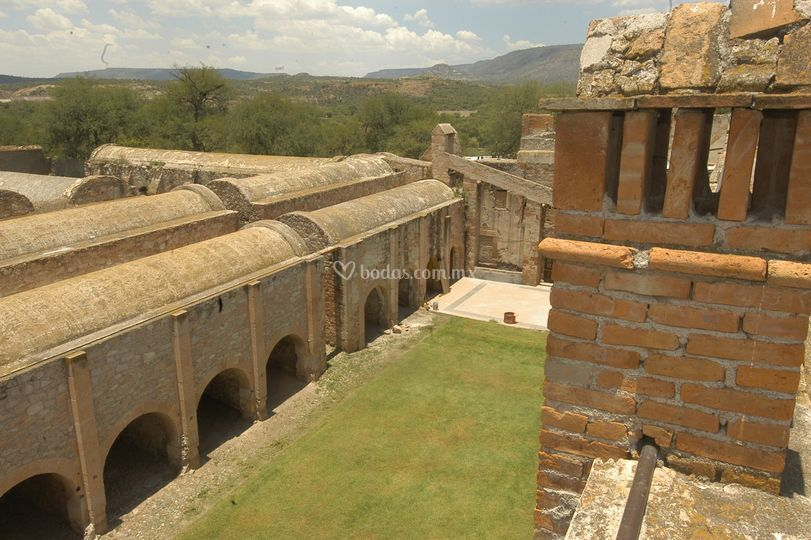 Jardines con capacidad 250 pax de hacienda la ventilla for Jardines de la hacienda