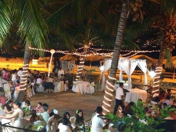 e72ef00e0 El Anzuelo Acapulco Boda de noche