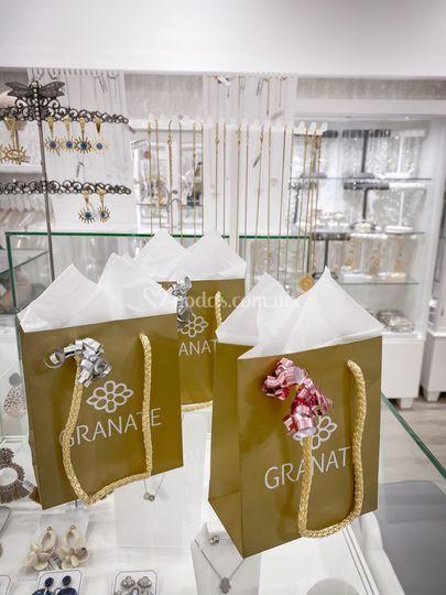 Granate joyas y novias