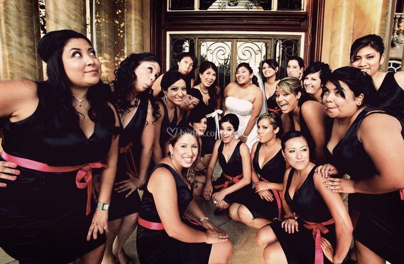 Con las damas de honor