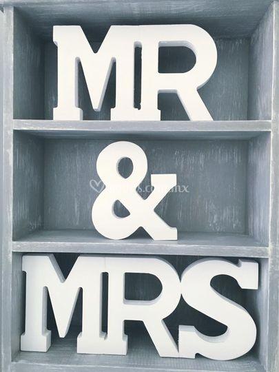 Letrero Mr & Mrs