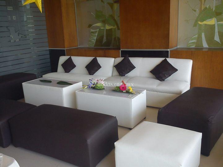 Sala para 10 personas con mesa