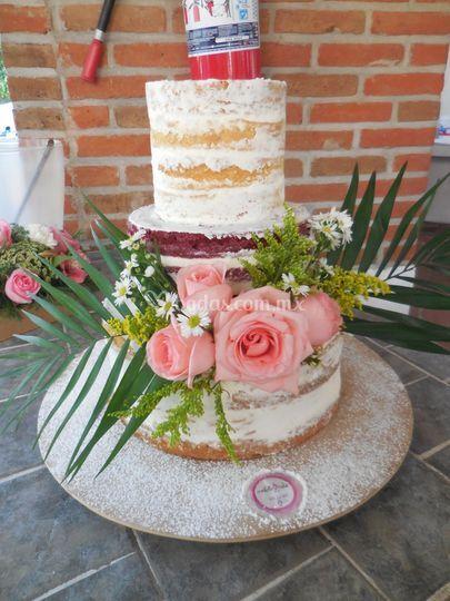 Naked cake, red velvet, flores