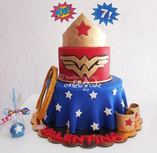 Pastel Mujer Maravilla Cakepop
