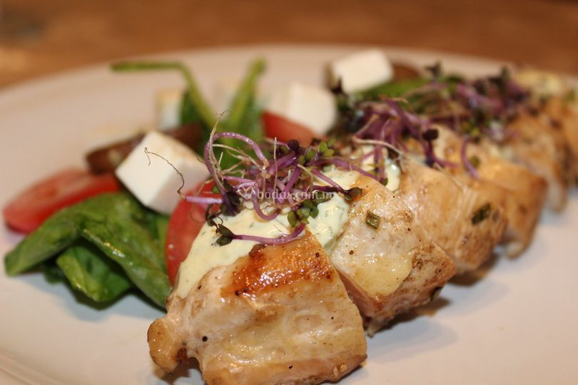 Pechuga de pollo y ensalada