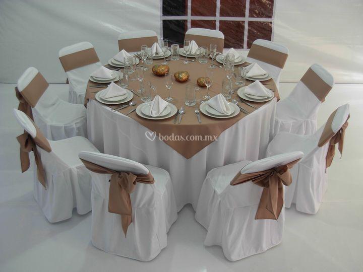 Alquiladora alex for Mesas de 8 personas