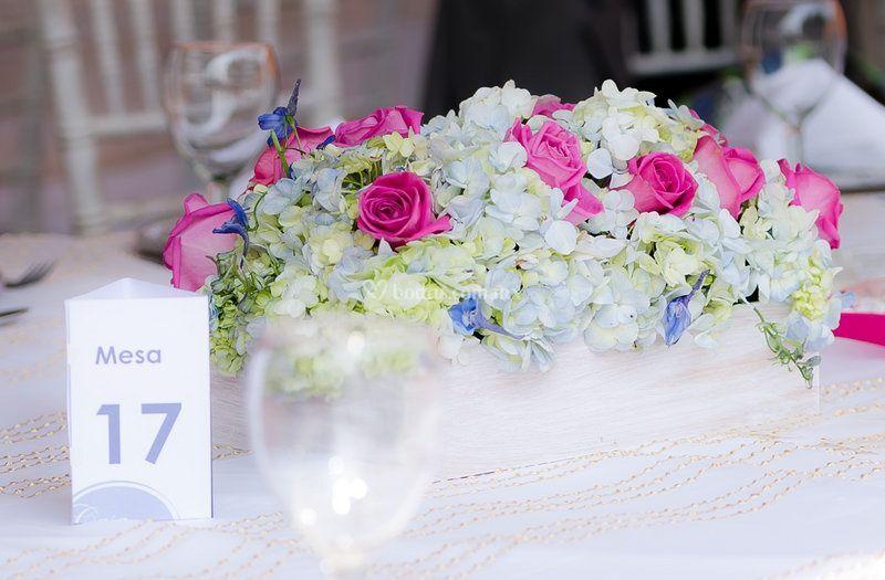 Centro de mesa rosas-hortensia