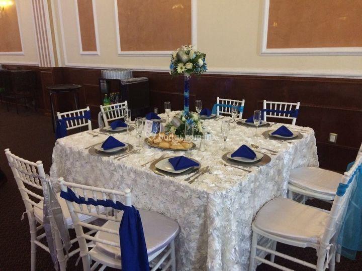 Evento en blanco y azul
