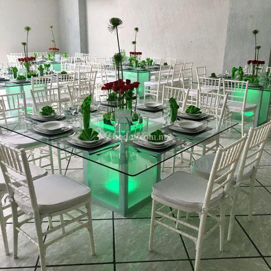 Montaje mesas cristal de azul cristal fotos Mesas de cristal pequenas