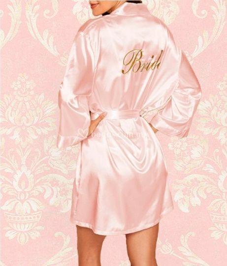 Bata novia satén rosa, corta