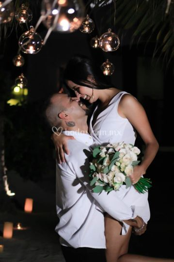Beso romántico