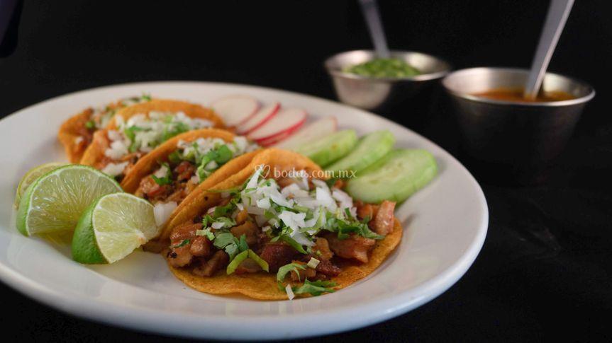 Platillos pupulares   Tacos