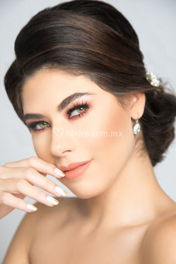 Paulina hernandez make up