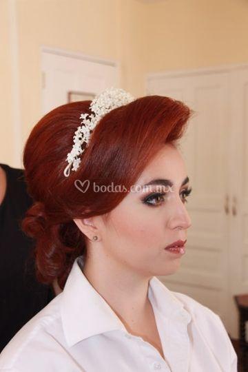 Alto peinado para novias