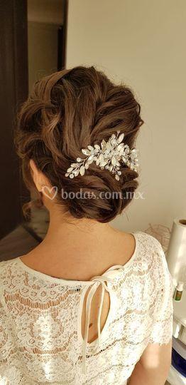 Peinado para novia cab. Corto