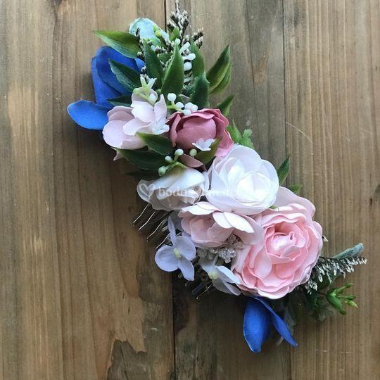 Tocado flores rosas y azules