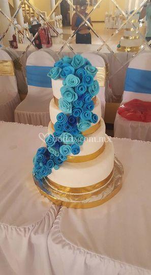 Pastel para 150 personas