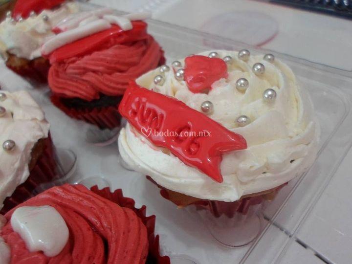 Cupcakes de frosting y fondant