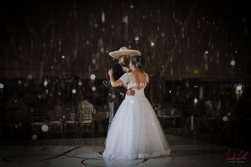 Liliana & Pepe (Primer Baile)