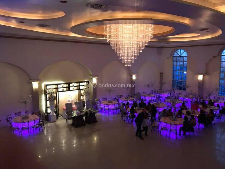 200 invitados