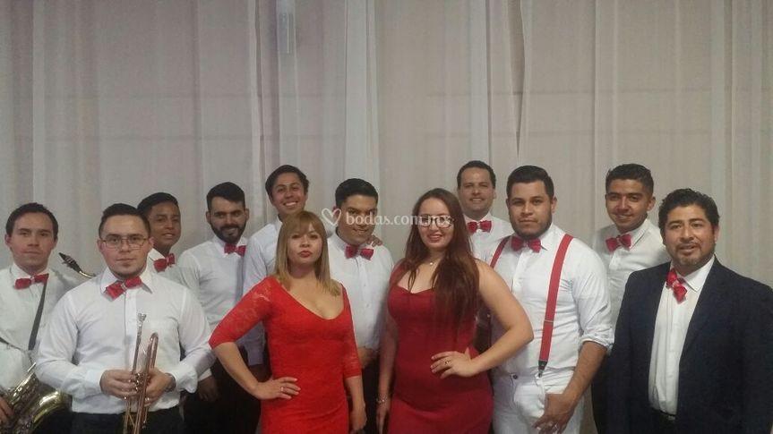 Festivo show la orquesta versa