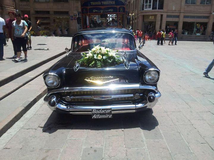 Chevrolet bel air negro 1957.