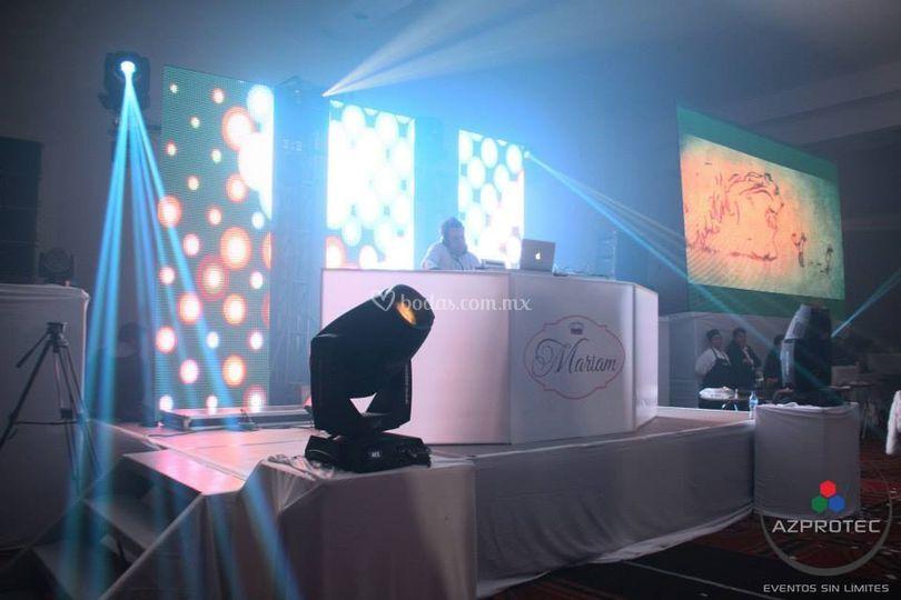 Pantallas y  DJ's
