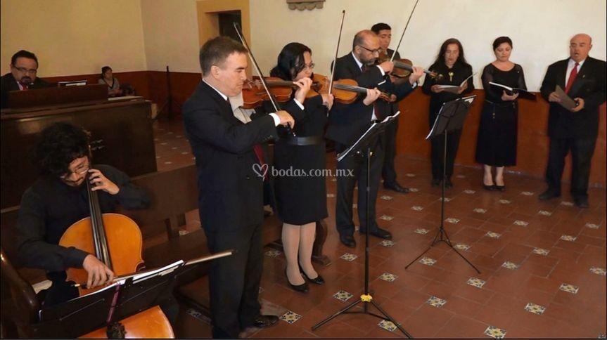 Coro para bodas con orquesta