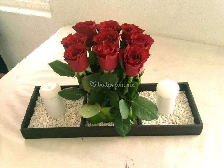 Pin centro flores con lilium oriental anthurium centros for Centros de mesa para bodas sencillos y economicos