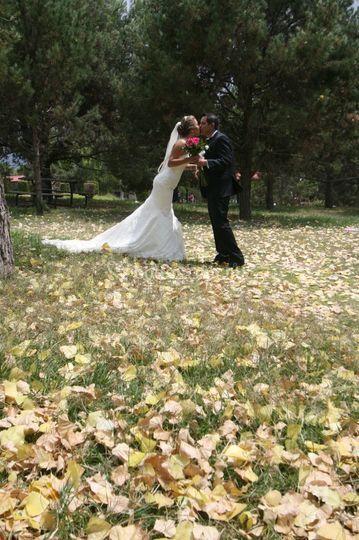 Sesión de bodas en el parque