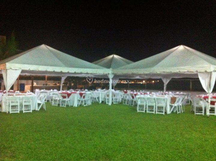 Evento con carpas de mare jard n de eventos foto 3 for Carpas para jardin