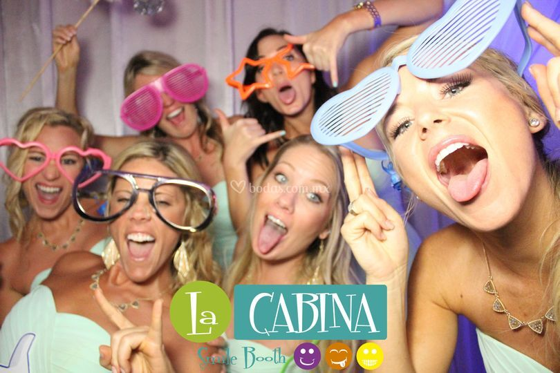 Cancun photobooth bridemaids