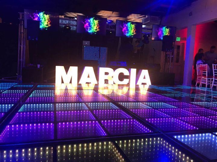 Pista led y letras luces