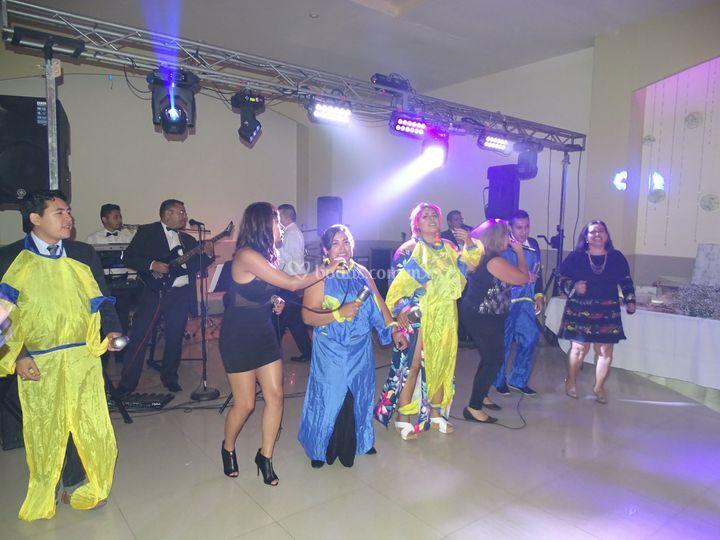 Grupo musical show
