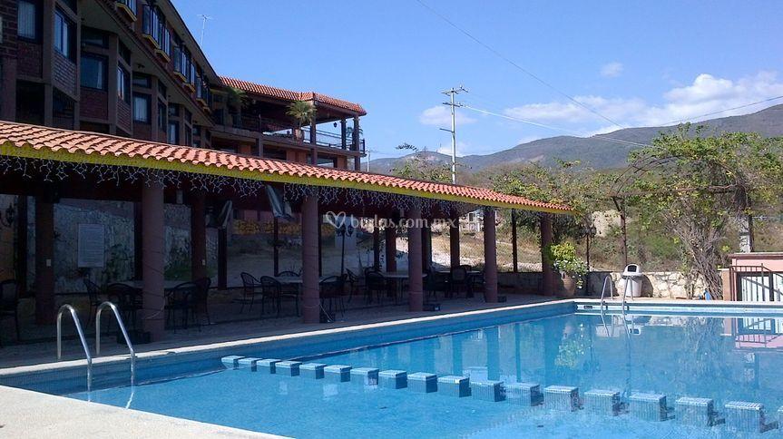 Alberca Hotel River side