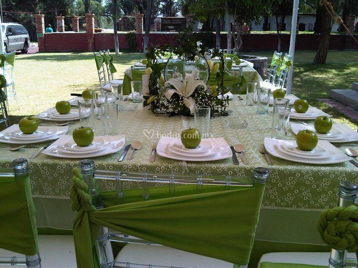 Montaje mesa imperial boda