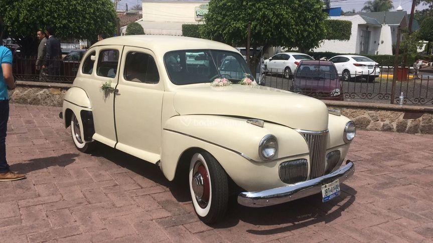 Un auto elegante