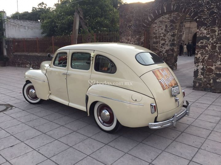Ford 41 Just Married