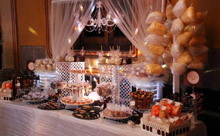 Okmira mesas de dulces for Mesas de dulces para bodas precios