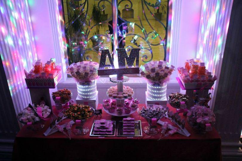 Okmira mesas de dulces for Mesa de dulces para xv anos