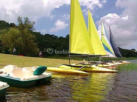 Botes de Pedal, Velero y Kayacs para ti
