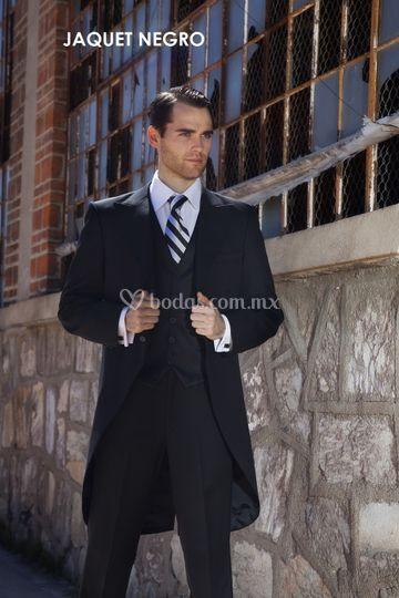 Jaquet negro con corbata