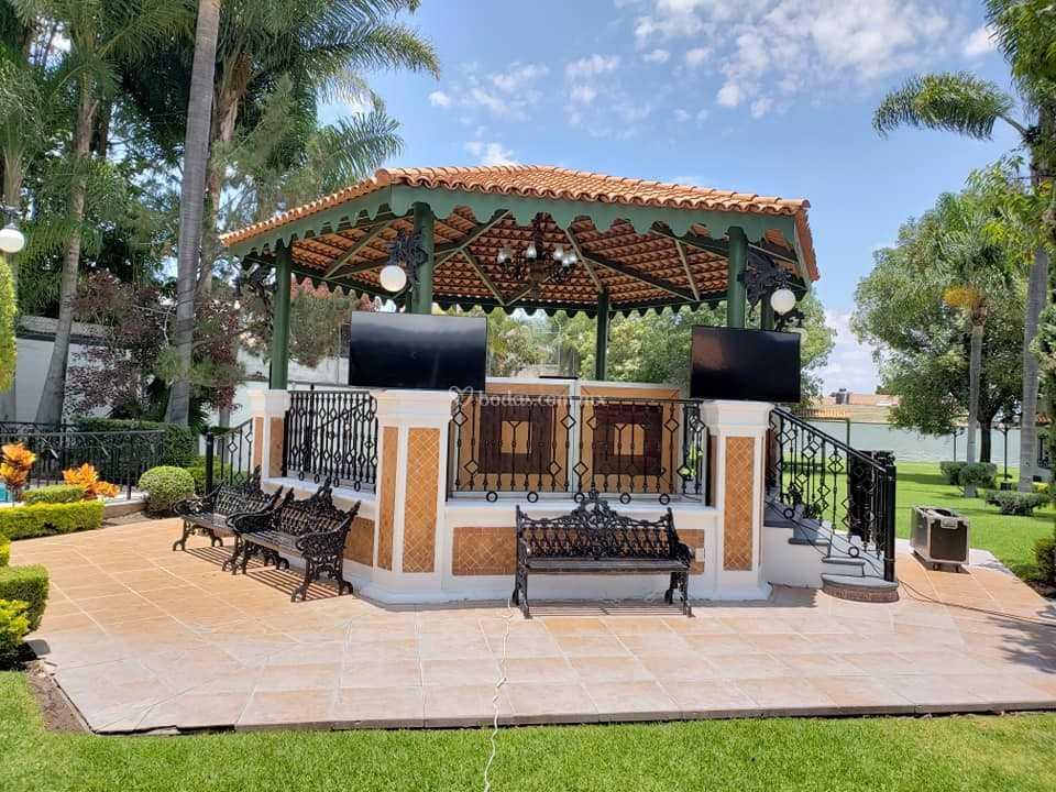 Nuestro Kiosko Espectacular De Terraza Del Bosque Fotos
