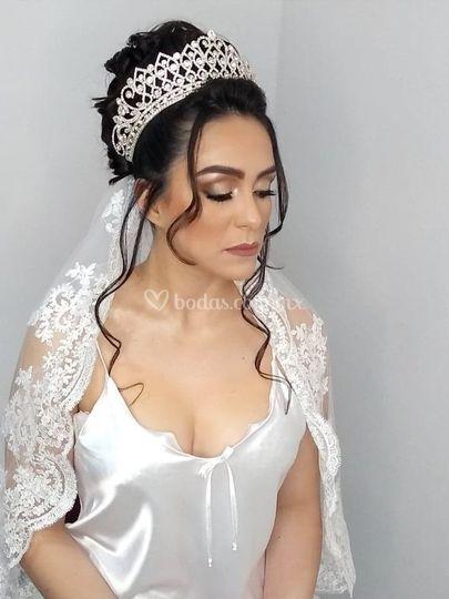 Hermosa novia