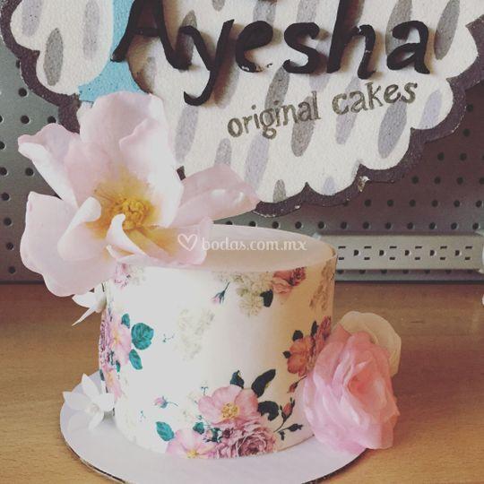 Pastel y flores de oblea