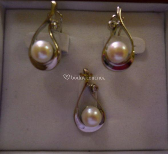 Aretes oro con perlas
