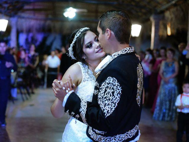 La boda de Israel y Cynthia en Lerdo, Durango 92