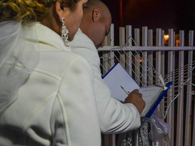La boda de Adrian y Alejandra en Mexicali, Baja California 13