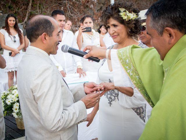 La boda de Marcos y Irma en Ixtapa Zihuatanejo, Guerrero 20